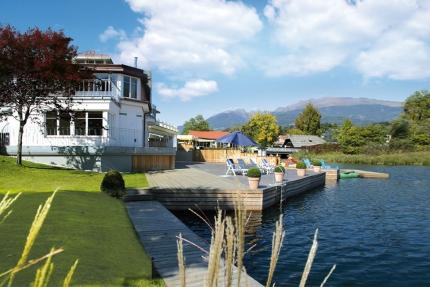 Hauseigener Badestrand mit Seeterrasse – Seevilla Cattina – Appartements direkt am Millstätter See