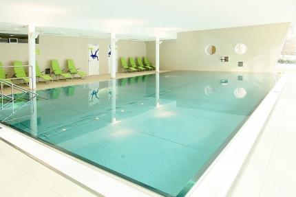 Hallenbad im Schwesterhotel Sporthotel ROYAL X – Appartements direkt am See – Seevilla Cattina