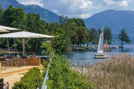 X-Bar mit wunderschöner Aussicht auf den Millstätter See – die Strandbar am Millstätter See – Seevilla Cattina – Urlaub im Appartement am Millstätter See