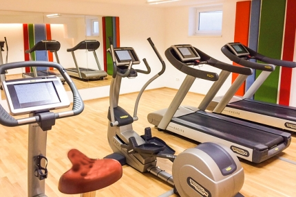 Fitnessraum im benachbarten Schwesterhotel, dem Sporthotel ROYAL X – Seevilla Cattina – Urlaub im Appartement am Millstätter See