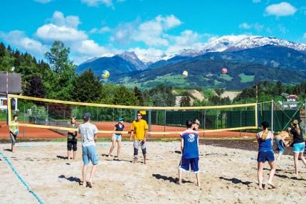 Beachvolleyball – Gruppenreisen im Sporthotel ROYAL X am Millstätter See – Schwesterhotel der Seevilla Cattina – Urlaub in Kärnten am See