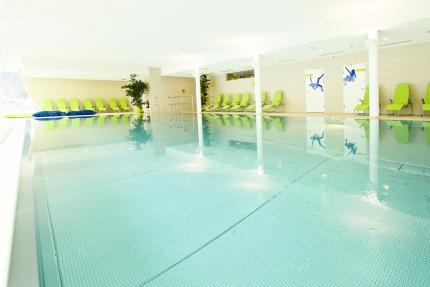 Hallenbad im Sporthotel ROYAL X am Millstätter See – Schwesterhotel der Seevilla Cattina – Urlaub in Kärnten am See