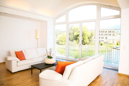 Wohnzimmer Appartement Wasserlilie – Seevilla Cattina – Appartements direkt am Millstätter See in Kärnten